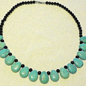 Jewelry - Turquoise Howlite & Black Agate necklace(226.8ct)